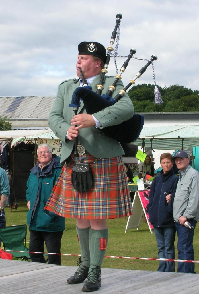 Matt Pantaleoni competing at the Dornoch Highland Gathering in Scotland, August 2005.