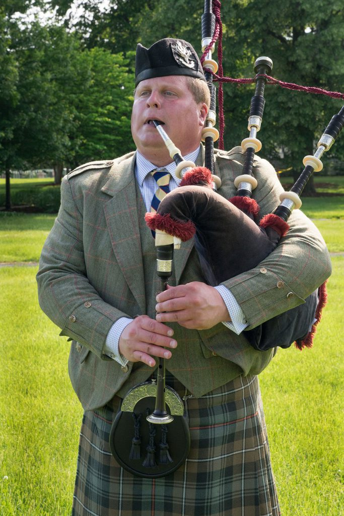 st-louis-bagpiper-events09