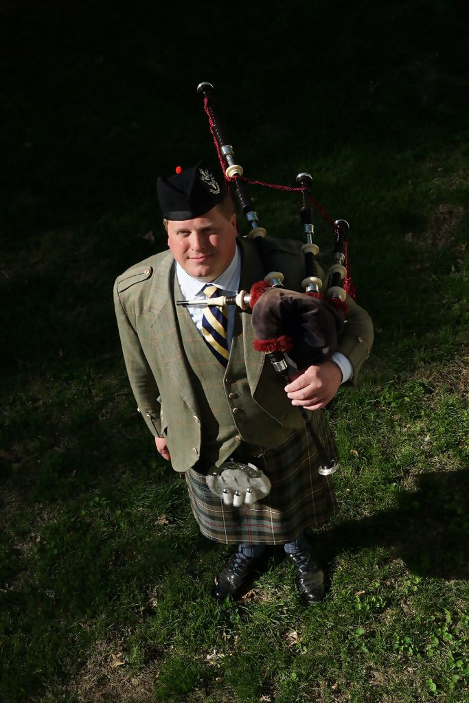 st-louis-funeral-bagpiper05